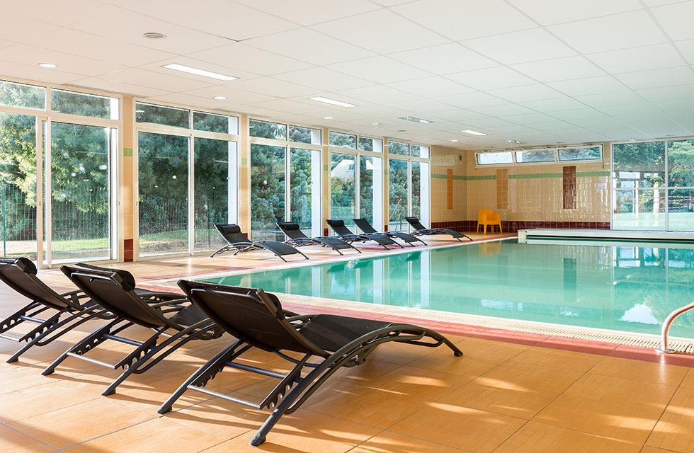 La piscine intérieure - Hôtel Club Ker Beuz